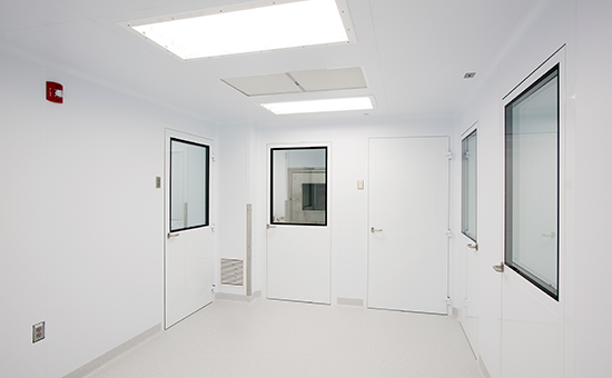 Medical-Device-Manufacturing-Cleanroom-5